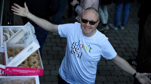 Un autre cadre dirigeant quitte Google | États-Unis — Harcèlement sexuel