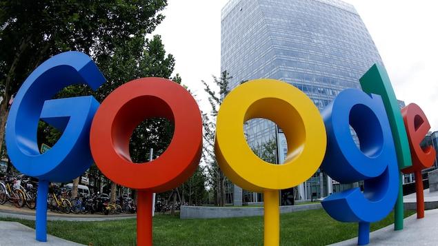 Le logo de Google devant ses bureaux de Pékin.