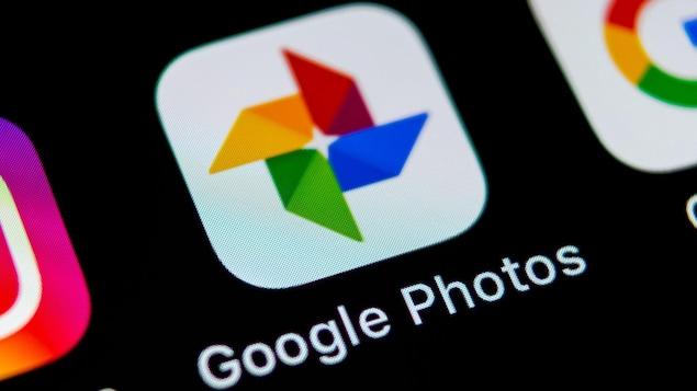 L'application Google Photos sur l'écran d'accueil d'un téléphone cellulaire.