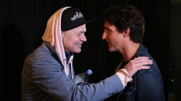 Photo de Justin Trudeau et de Gord Downie
