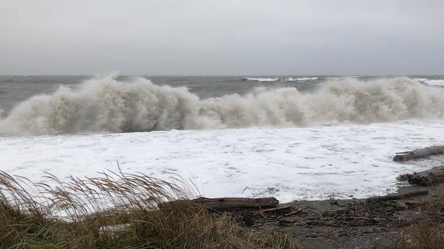 Forts vents et marée haute à Matane