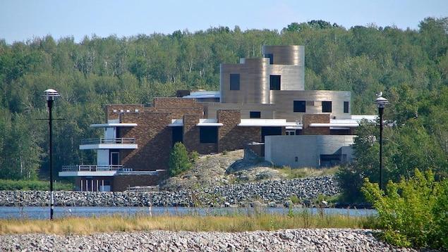 La maison de Peter Grant, sur la berge du lac Témiscamingue