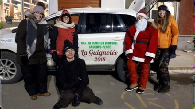 Des bénévoles du Centre d'action bénévole Gascons-Percé lors de la Guignolée en 2018.