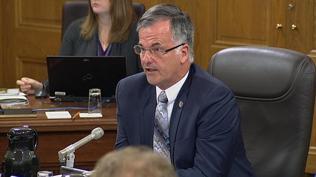 Le député libéral et président de la Commission des institutions, Guy Ouellette.