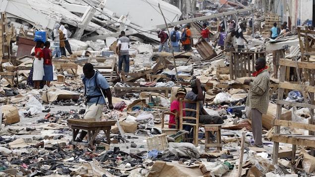 Quartier dévasté de la capitale Port-au-Prince, le 14 janvier 2010