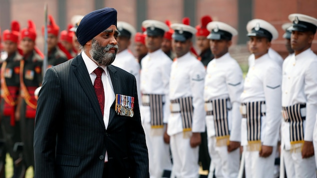 Le voyage du ministre de la Défense, Harjit Sajjan, doit lui permettre de renouer avec l'histoire de sa famille et d'établir des relations plus étroites entre le Canada et l'Inde.