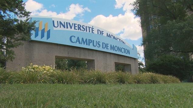 L'affiche de l'Université de Moncton