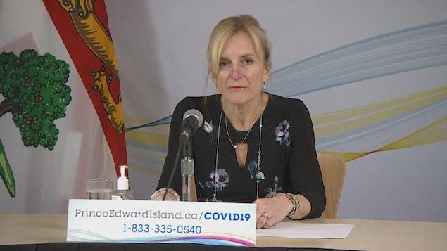 La conférence de presse de la docteure Heather Morrison, médecin hygiéniste en chef de l'Île-du-Prince-Édouard, le 2 mars 2021.