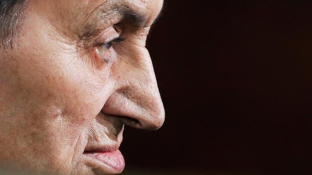 Hosni Moubarak, photographié de profil.