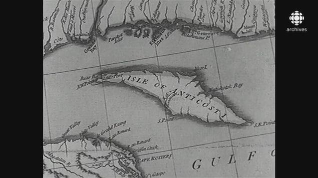 Carte géographique avec au centre l'île d'Anticosti, identifiée «Isle of Anticosti»