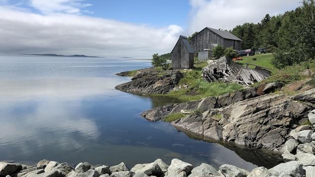 Un fumoir à hareng sur l'île Verte.