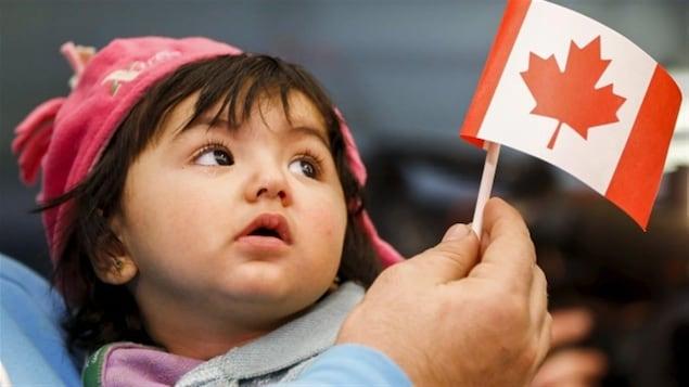 Une jeune réfugiée syrienne au Canada.