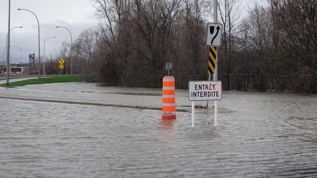 La bretelle d'accès à l'autoroute 50 ce matin en provenance de St-Louis à Gatineau.
