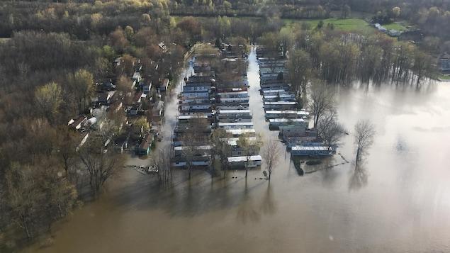 Vue aérienne des inondations dans le secteur de Berthierville