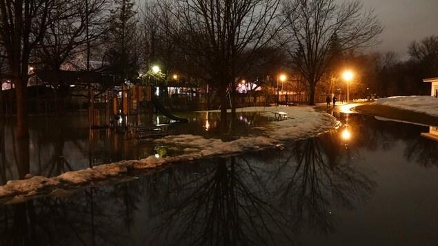 Un parc inondé.