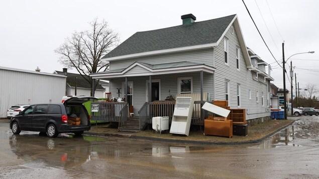 Les débris sont omniprésents dans la municipalité de Sainte-Marie.