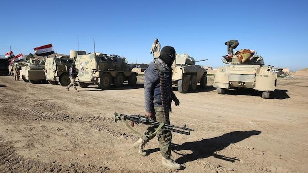 Les forces progouvernementales irakiennes affrontent actuellement les combattants du groupe armé État islamique à Mossoul.