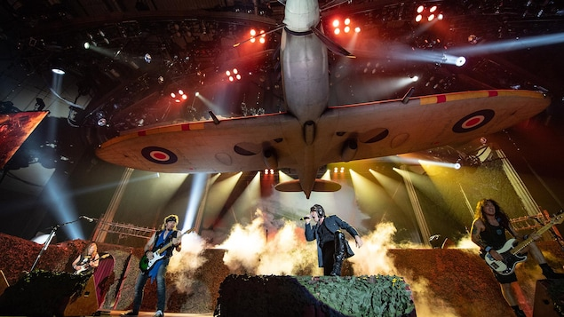 Iron Maiden lors d'un concert de la tournée Legacy of the Beast