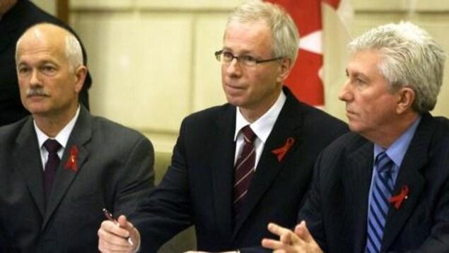 Jack Layton, Stéphane Dion et Gilles Duceppe en conférence de presse.