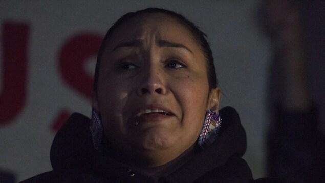 Jade Tootoosis pleure