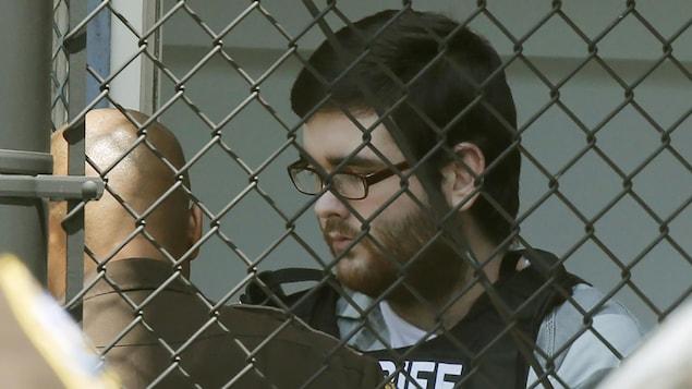 James Alex Fields en cour à Charlottesville où il est condamné à une peine à perpétuité pour une deuxième fois. La première condamnation est tombée en juin dans une cour fédérale.