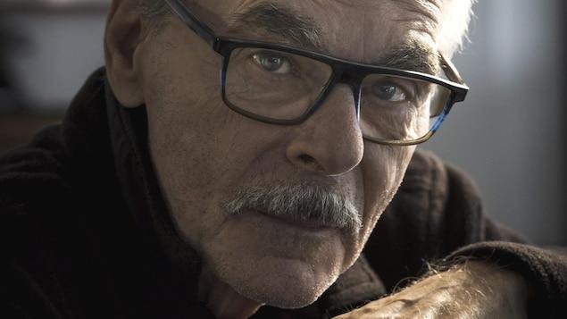 Portrait photo du cinéaste québécois Jean Beaudin.