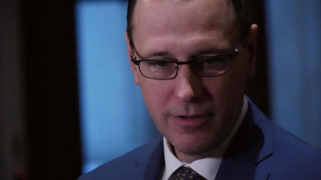 Plan rapproché du ministre Roberge