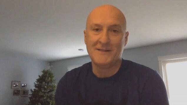 Jean-Marc Picard, directeur général de l'Association du camionnage des provinces de l'Atlantique, devant son ordinateur durant une entrevue Skype.