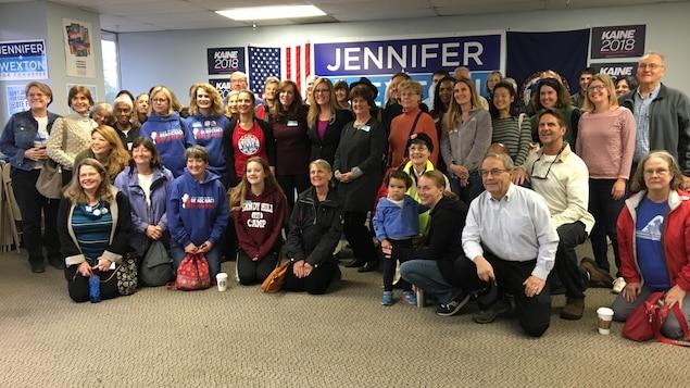 Dans le district numéro10, dans le nord de la Virginie, la candidate démocrate Jennifer Wexton tente de déloger la représentante républicaine Barbara Comstock.