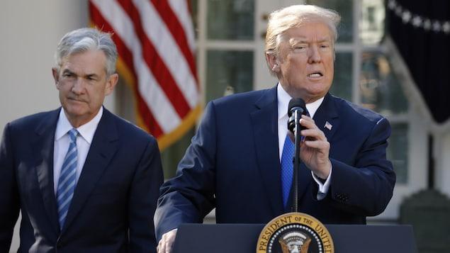 Le 2 novembre 2017, le président américain Donald Trump annoncait la nomination de Jerome Powell (à gauche) pour le poste de président de la banque centrale.