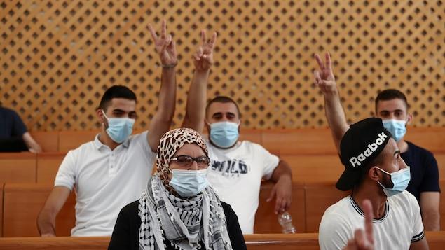 Des Palestiniens de Jérusalem-Est à la Cour suprême israélienne.