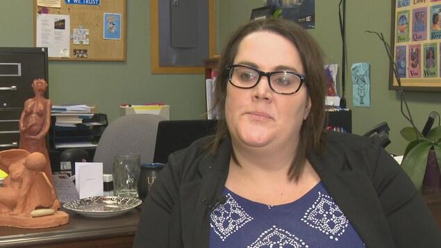 Jillian Killfoil, la directrice du Réseau des femmes de l'Île-du-Prince-Édouard, demande au gouvernement de l'aide pour mieux renseigner les femmes enceintes.