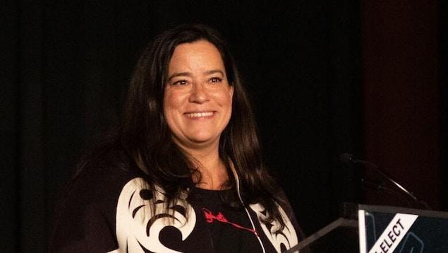 Jody Wilson-Raybould lors de son discours de victoire du 21 octobre 2019