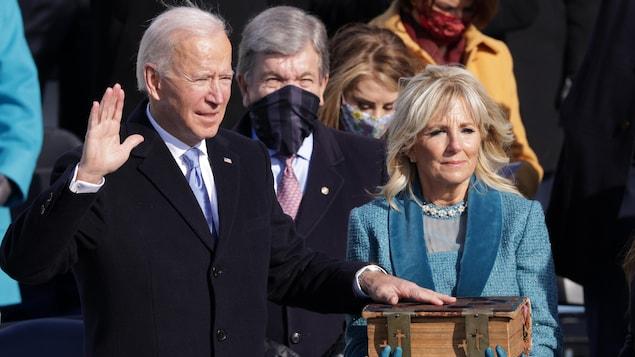 Joe Biden prête serment en tant que 46e président des États-Unis.