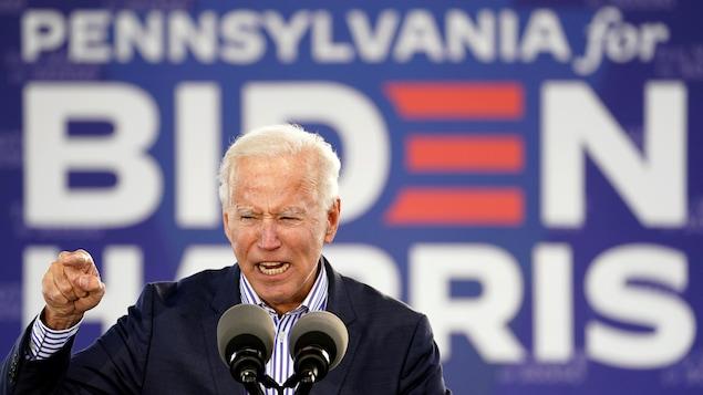Joe Biden prononce un discours.