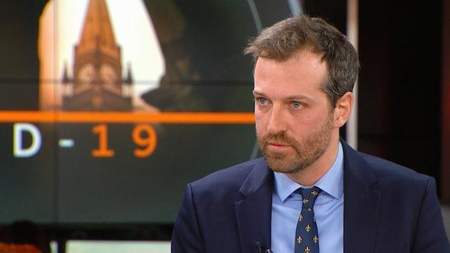 Joël Lightbound, député libéral fédéral de Louis-Hébert lors d'une entrevue dans les studios de Radio-Canada à Québec