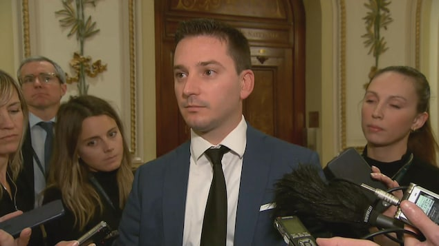 Le ministre Simon Jolin-Barrette