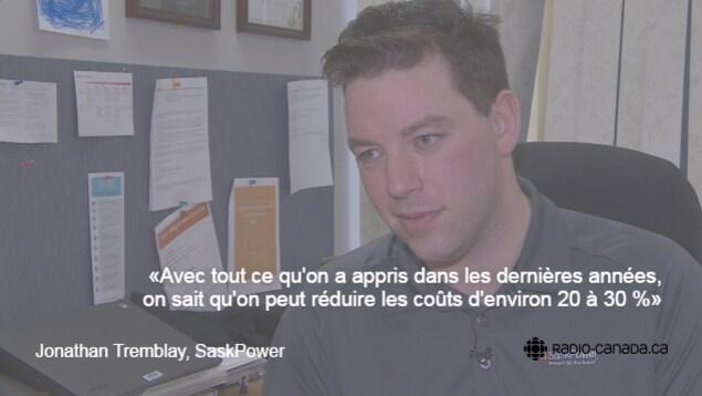 Le porte-parole de SaskPower Jonathan Tremblay, dans son bureau