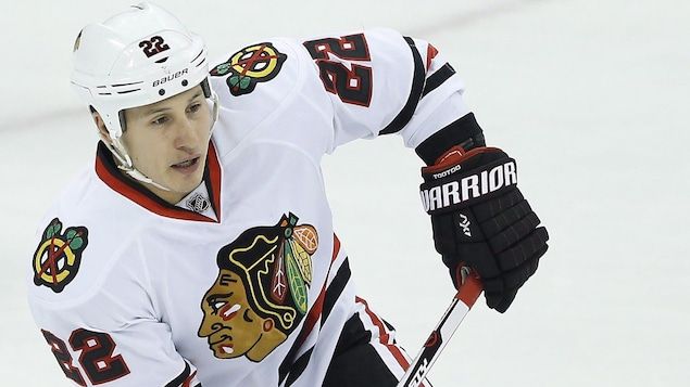L'attaquant des Blackhawks de Chicago, Jordin Tootoo
