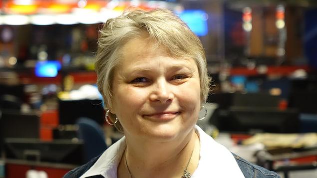 Julie Leroux fait partie des membres fondateurs du mouvement «Sauvons La Nation». La photo est prise dans les locaux de Radio-Canada.