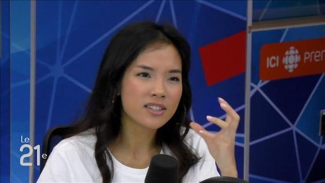 Kanica Saphan au micro.