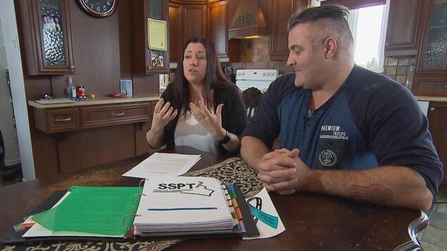 Kareen Lapointe et Patrick Forgues sont à l'origine de l'organisme à but non lucratif SSPT chez les camionneurs.