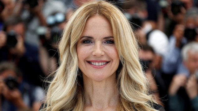 Kelly Preston.