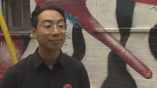 Expelled Liberal candidate Kevin Vuong says he will sit as an independent if he wins his close race in the Ontario riding of Spadina-Fort York.