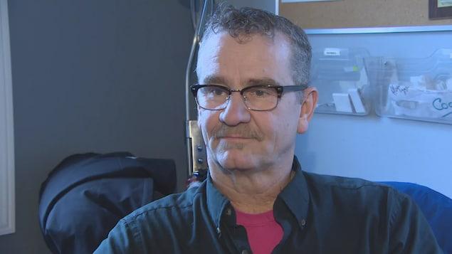 Kim Sutherland en entrevue à la CBC.