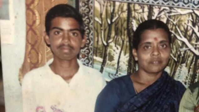 Vieille photo d'un jeune homme tamoul et d'une femme tamoule