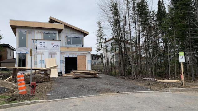 Les constructions de nouvelles résidences se poursuivent dans le quartier Exalt à Lac-Beauport.