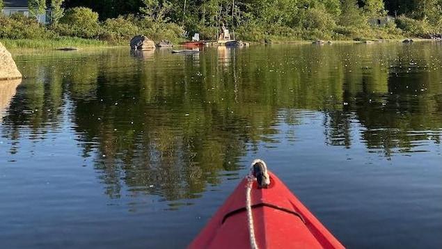 Le lac Matapédia vu d'une embarcation.