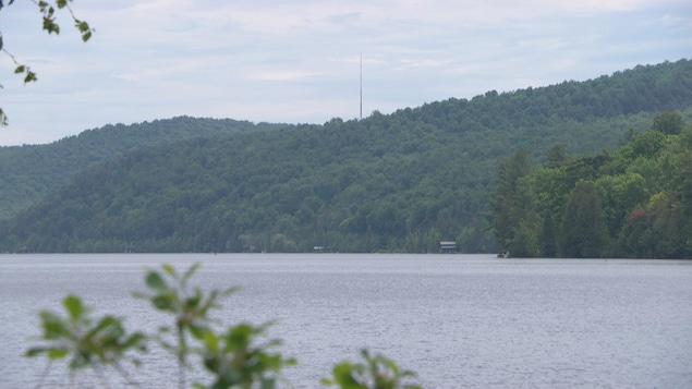 Une vue sur le lac Meech, dans le parc de la Gatineau.
