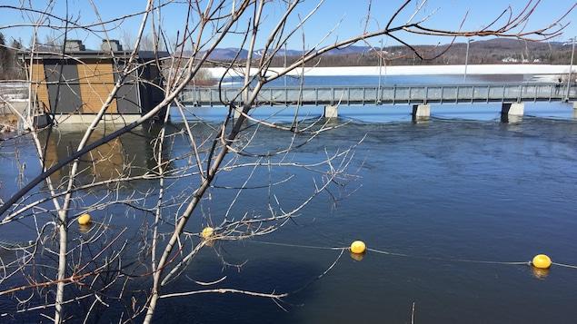 La Ville de Québec a ouvert les portes du barrage pour mieux contrôler le niveau du lac Saint-Charles